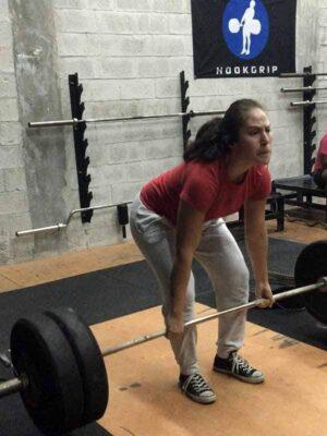 Yessica Uribe weight lifting